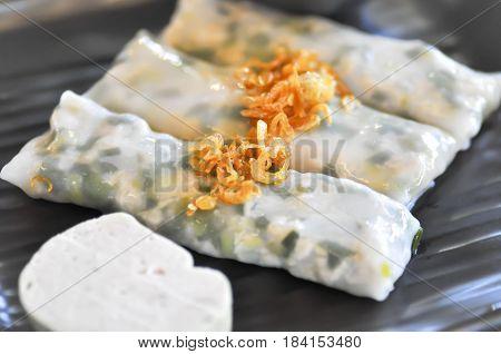fresh spring roll or banh (vietnamist food)