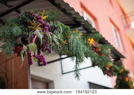 The beautiful decorations for the wedding archway