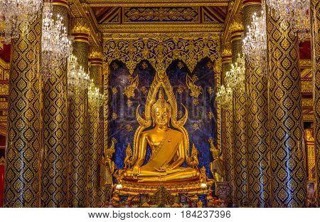 PHITSANULOK THAILAND - APRIL 22 2017 : The Chinnarat buddha sculpture at Wat Phar Sri Rattana Mahathat woramahawihan temple Phitsanulok in Thailand.