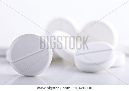 round pills with low DOF