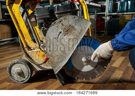 Floor Cutting Saw