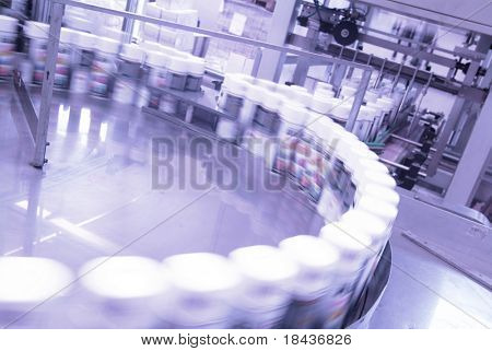 industrial automation - packing products