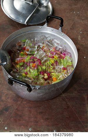 ice thai dessert pan sweet  refreshment syrup