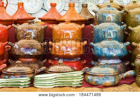 Ceramic handmade pots and tagines. Colored pots