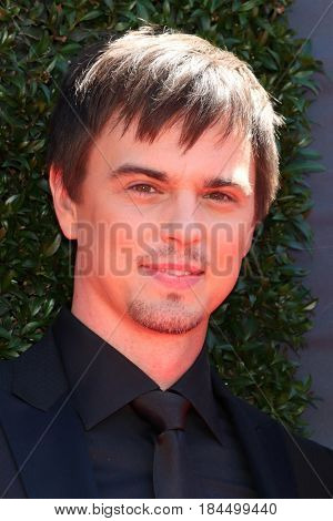 LOS ANGELES - APR 30:  Darin Brooks at the 44th Daytime Emmy Awards - Arrivals at the Pasadena Civic Auditorium on April 30, 2017 in Pasadena, CA