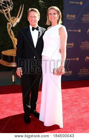 LOS ANGELES - APR 30:  Bradley Bell, Colleen Bell at the 44th Daytime Emmy Awards - Arrivals at the Pasadena Civic Auditorium on April 30, 2017 in Pasadena, CA