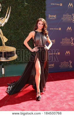LOS ANGELES - APR 30:  Samantha Harris at the 44th Daytime Emmy Awards - Arrivals at the Pasadena Civic Auditorium on April 30, 2017 in Pasadena, CA