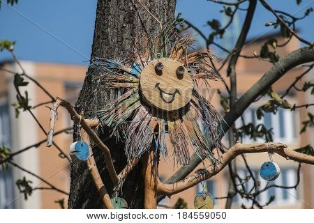 A cheerful tree keeper catches restless dodgers