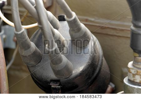 a distributor cap with silicone wires car parts