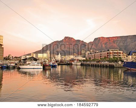 SUNSET, VICTORIA AND ALFRED WATERFRONT CAPE TOWN SOUTH AFRICA 20cfgh