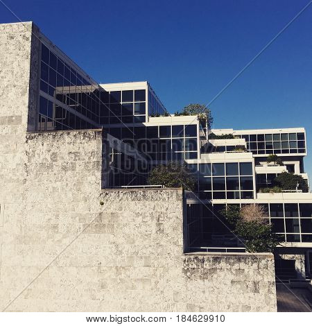 Robert, F. Gatje, of Marcel Breuer Associates, designed the Broward County Library in Florida in brutalist style.
