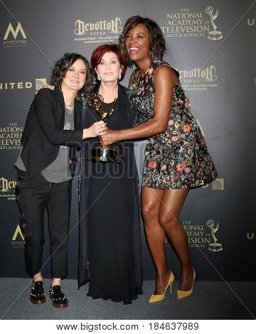 LOS ANGELES - APR 30:  Sara Gilbert, Sharon Osbourne, Aisha Tyler,alk Show Host, The Talk in the 44th Daytime Emmy Awards Press Room at the Pasadena Civic Auditorium on April 30, 2017 in Pasadena, CA