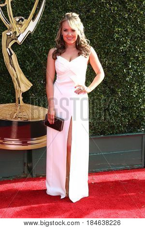 LOS ANGELES - APR 28:  Jennifer Veal at the 2017 Creative Daytime Emmy Awards at the Pasadena Civic Auditorium on April 28, 2017 in Pasadena, CA