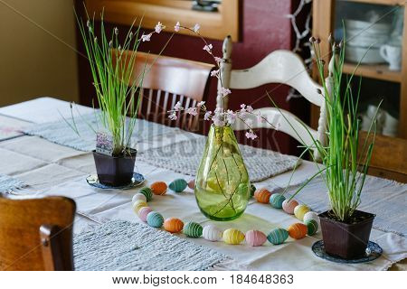 Easter supper to be served at this decorated dinner table.