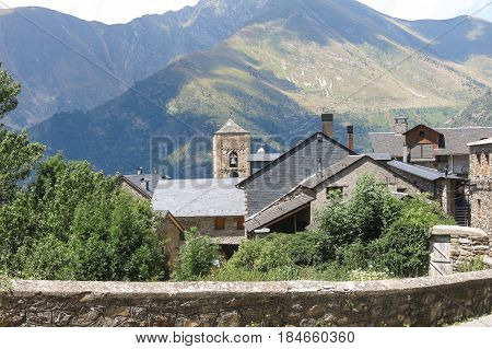 Durro, Typical Stone Village In The Catalan Pyrenees. Valley Of Bohí In Catalonia, Spain