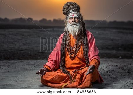 Portrait of sadhu Baba Nondo Somendrah, Varanasi, India.