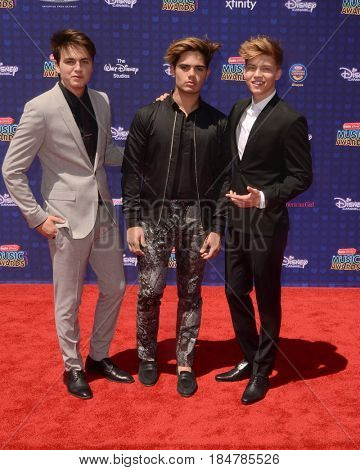 LOS ANGELES - APR 29:  Forever On Your Mind, Emery Kelly; Ricky Garcia; Liam Attridge at the 2017 Radio Disney Music Awards at the Microsoft Theater on April 29, 2017 in Los Angeles, CA