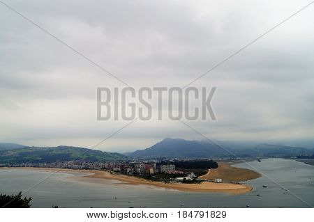 The Bay of Santoña is located between Santoña and Laredo, in Cantabria (Spain). This bay constitutes one of the most important estuaries of the region, originated when being invaded by the sea in the low course of the river Asón.