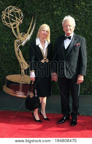 PASADENA - APR 28: Nicholas Coster at the 44th Daytime Creative Arts Emmy Awards Gala at the Pasadena Civic Centerl on April 28, 2017 in Pasadena, California
