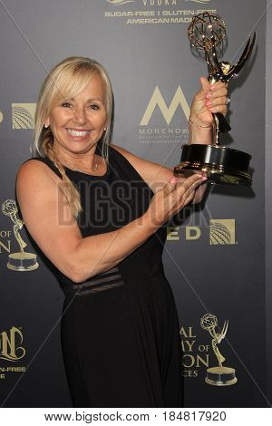 PASADENA - APR 28: Linda Osgood, Outstanding Hairstyling for a Drama Series, General Hospital at the 44th Daytime Creative Arts Emmy Awards Gala, Pasadena Civic Center on April 28, 2017 - Pasadena, CA