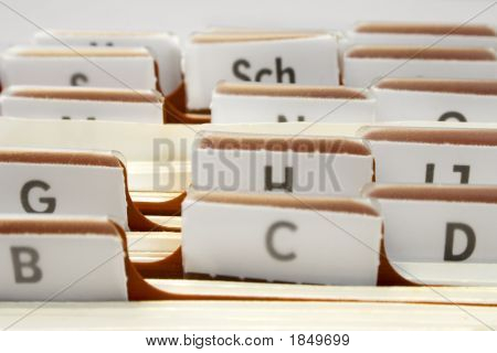 Organizing Contacts