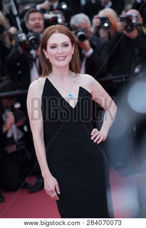 CANNES, FRANCE - MAY 09: Julianne Moore attends the screening of Yomeddine during the 71st Cannes Film Festival on May 9, 2018 in Cannes, France.