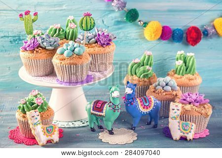 Cactus and llama sweets for children party
