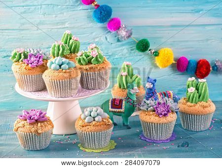 Cactus cupcakes for children party