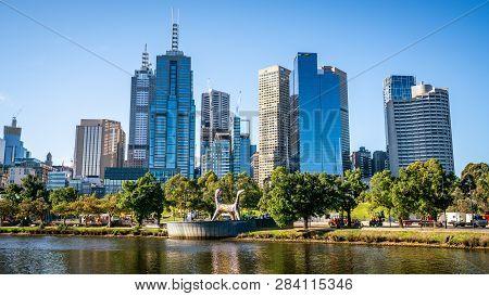 2nd January 2019, Melbourne Australia : Yarra River In Central Melbourne And Melbourne Cbd Skyline I