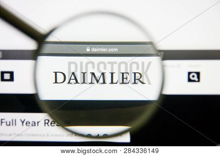 Los Angeles, California, Usa - 14 February 2019: Daimler Website Homepage. Daimler Logo Visible On M