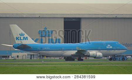 Amsterdam, Netherlands - July 24, 2017: Side View Of Boeing 747-406(m) Ph-bfs Of Klm Airlines Rides