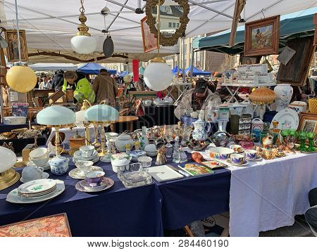 Vienna, Austria - February 16, 2018: Every Saturday Is The Biggest Flea Market Of Vienna At The Popu
