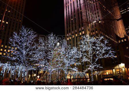 New York City, Usa , December 14, 2014: Christmas In New York City At Rockefeller Center