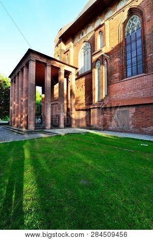 Tomb Of The German Philosopher Immanuel Kant Near The Cathedral. Kaliningrad, Until 1946 Koenigsberg
