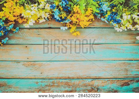 Flowers Blossom On Vintage Wooden Background, Border Frame Design. Vintage Color Tone - Concept Flow