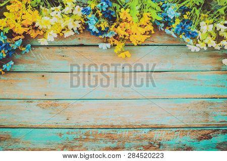 Flowers Blossom On Vintage Wooden Background, Border Frame Design. Vintage Color Tone - Concept Flow