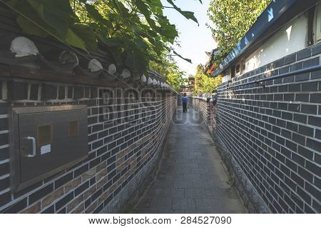 Jeonju, South Korea - September 2018: Narrow Alley Between Ancient Korean Houses In Jeonju Hanok Vil