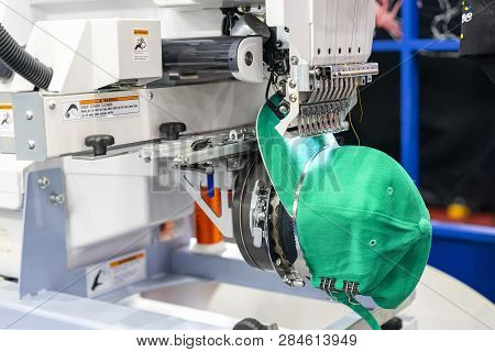 Hat Sewing At Modern And Automatic High Technology  Embroidery Machine For Textile - Clothing Appare