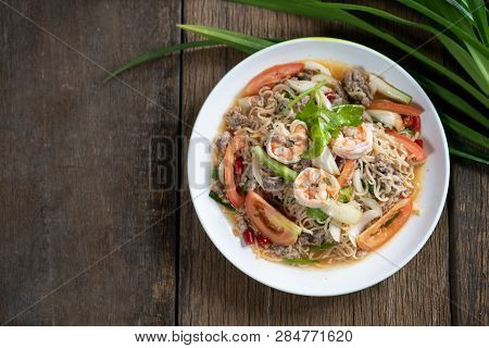 Spicy Mama Salad With Shrimp And Pork ,fried Thai Mama Instant Noodles (fried Thai Mama Tom Yum),spi