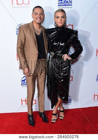 LOS ANGELES - FEB 17:  Evan Ross and Ashlee Simpson arrives for the Hollywood Beauty Awards 2019 on February 17, 2019 in Hollywood, CA