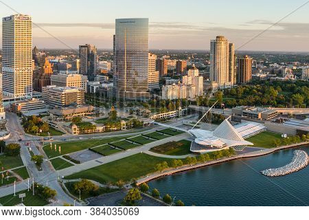 Milwaukee, Wi - 3 September 2020:  Image From A Drone Of The Milwaukee Skyline From Lake Michigan Du