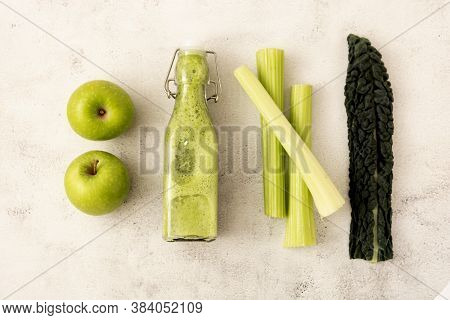 Detox Smoothie With Greenapples And Kale Leaves. Detox, Dieting Clean Eating