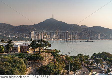 Acapulco, Mexico - November 25, 2008: Corner Ramparts Of Fort, Fuerte De San Diego, Aka Museo Histor