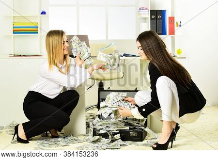 Girls Achieved Success And Financial Independence. Buy Franchise. Strategies To Boost Income. Succes