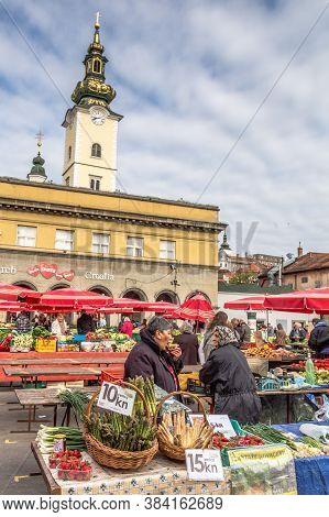 Zagreb, Croatia - May, 10, 2017: Farmers Market At Kvaternik Square In The Historic Center Of Zagreb