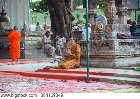 Bodh Gaya Bihar India On April 29th 2018 : Monk Praying Inside Mahabodhi Temple Bodh Gaya During Bud