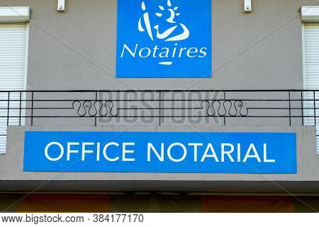 Bordeaux , Aquitaine / France - 09 01 2020 : Notaires Office Notarial Text And Logo Sign Of French N