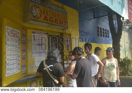 Mandaluyong, Ph - Oct 6 - Philippine Charity Sweepstakes Ticketing Booth On October 6, 2018 In Manda