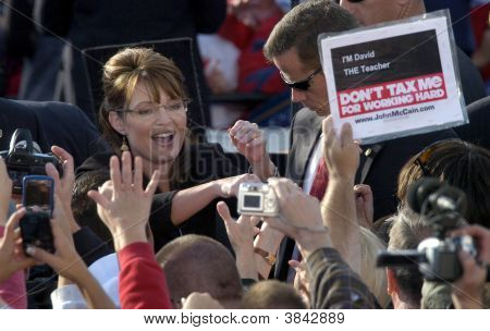 Sarah Palin With Fans