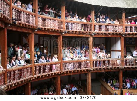 Globe Theatre Audience